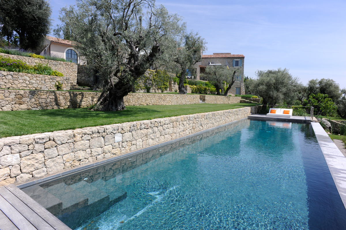 property with pool in mougins